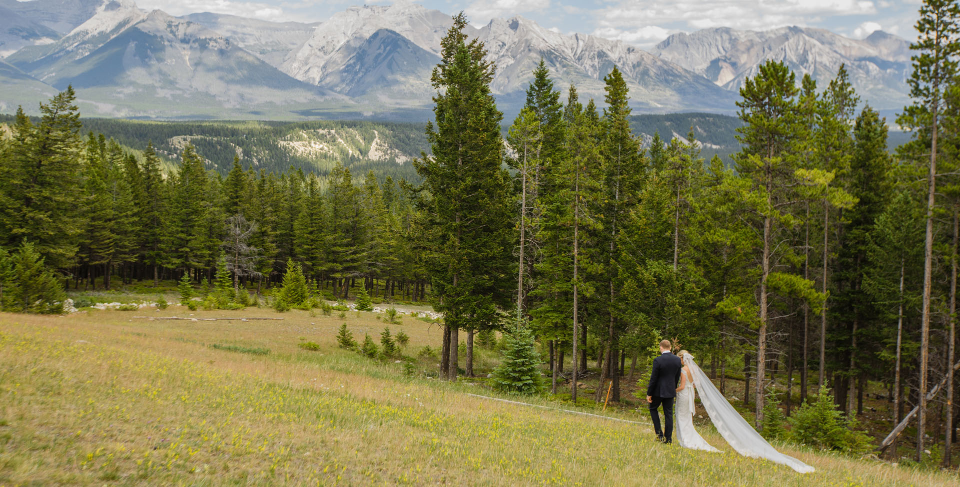 Show real wedding album  Calgary wedding photography_arty_films_arty_sych
